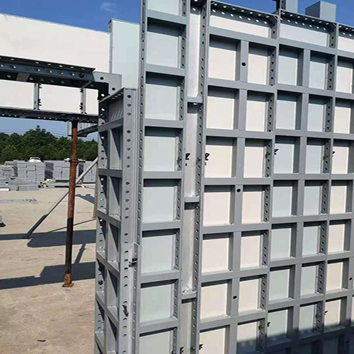 What are the advantages Comparison of hollow plastic and solid PVC foamed  plastic formwork?cid=5
